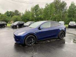 Tesla Model Y  2021 Standard Range RWD Roues Induction de 20 po  . Tow Pack $ 65939
